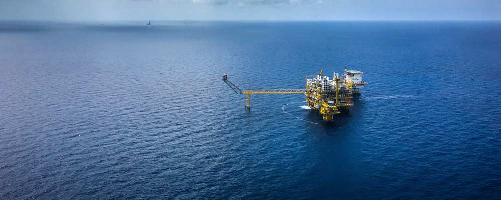 Invest in Offshore Oil Now Before the Big Money Floods In